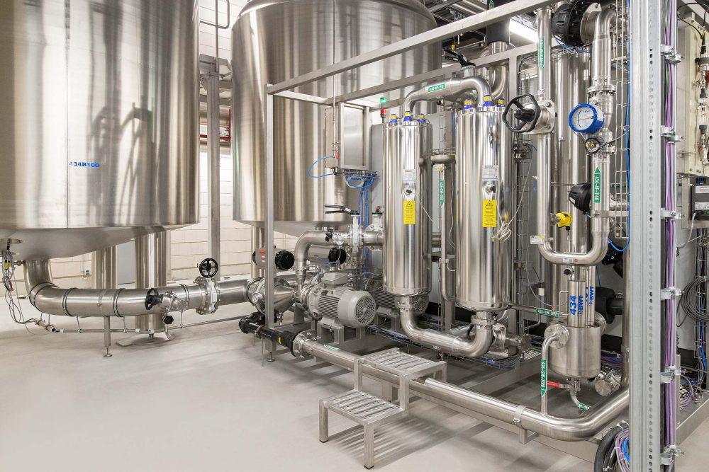 BWT Best Water Technology, Reinstmediensysteme für Pharma und Biotech, Reinstwasser, Tank